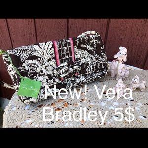 Vera Bradley Bags - 💗 SALE 💗 NWT Vera Bradley Clutch Shoulder bag